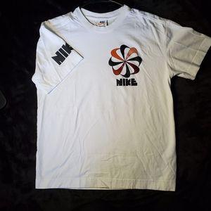 Retro Nike pinwheel t-shirt